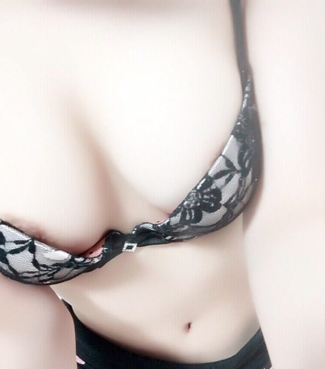 「変態さんだから ピクピク度がタマリマセン(笑)」12/24(日) 07:16   菜穂(なほ)の写メ・風俗動画