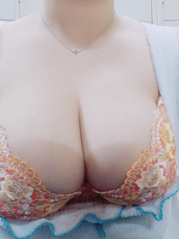 「こんにちは(*´ω`*)ノ))」05/09(日) 13:17 | まなの写メ・風俗動画