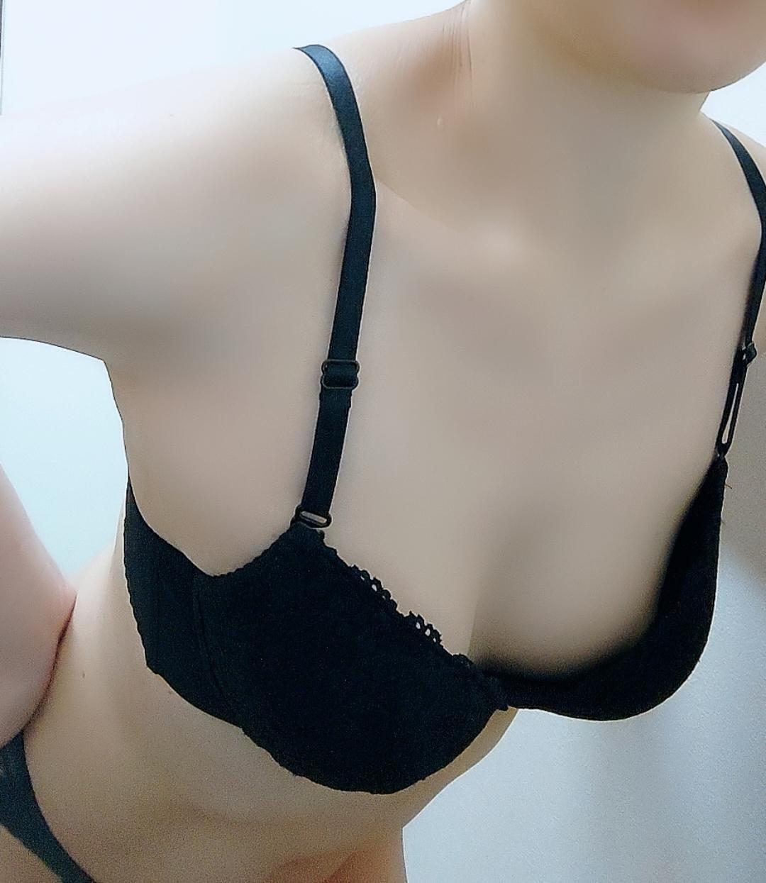 「片手に収まる温もりとは?✨」05/09(日) 17:59 | あゆかの写メ・風俗動画