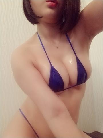 「紺はお好きですか?」06/18(金) 18:00 | はなの写メ