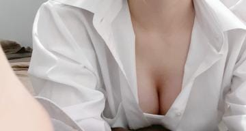 「ほうこく」07/25(日) 18:51 | ひまわり☆アイドル級ルックス!の写メ