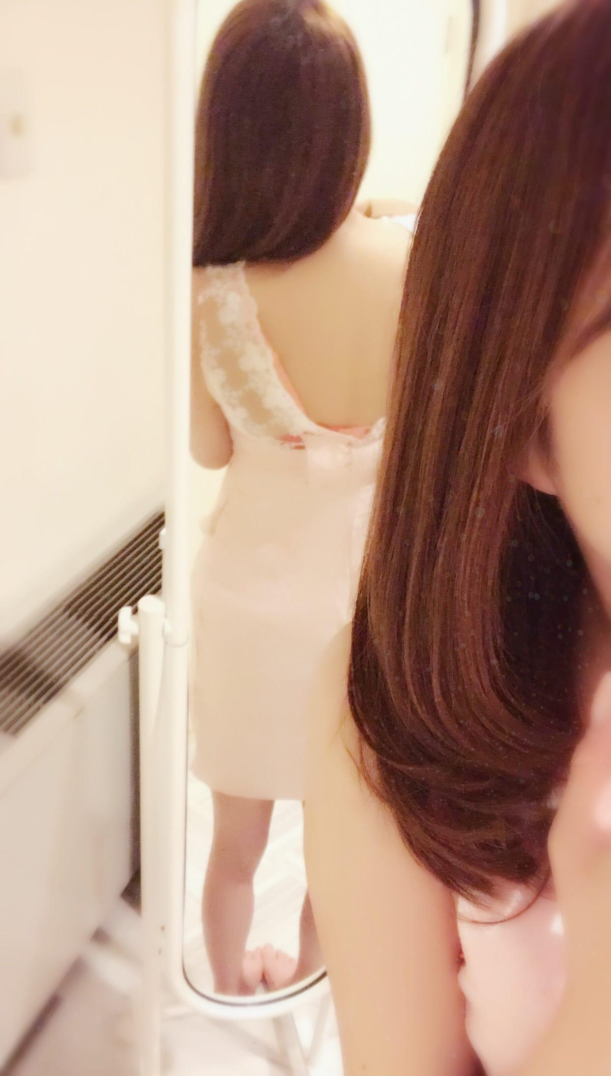 玉玲「Twitter.* .*.」01/17(水) 00:22   玉玲の写メ・風俗動画