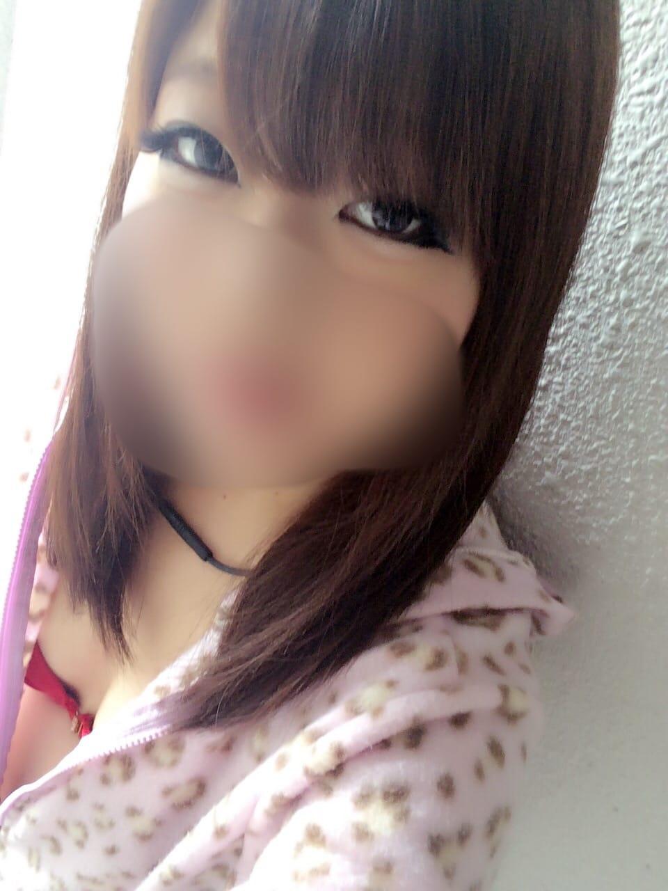 「出勤でーす(*^^)v」01/18(木) 11:04   清家の写メ・風俗動画