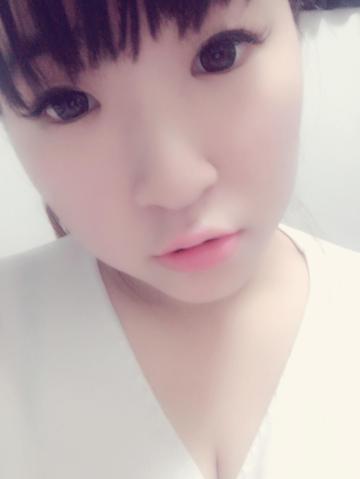「おはよーございます(๑´ڡ`๑)♡」01/18(木) 11:12 | ローラの写メ・風俗動画