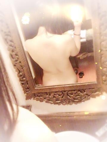「(o´艸`)」01/21(日) 17:30   なほの写メ・風俗動画