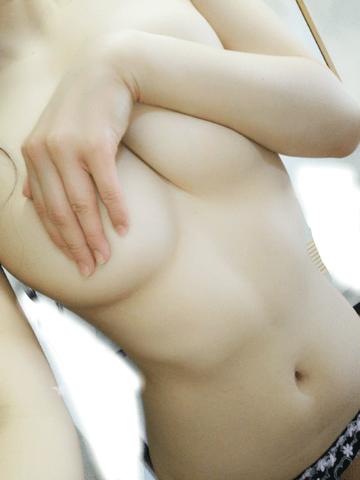 「手ブラ♪♪」01/30(火) 21:00 | かえでの写メ・風俗動画