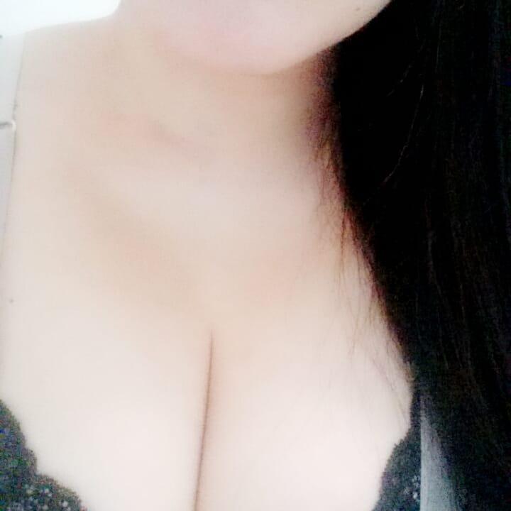 「こんにちは」02/08(木) 11:43 | ☆エリカ☆ERIKA☆の写メ・風俗動画