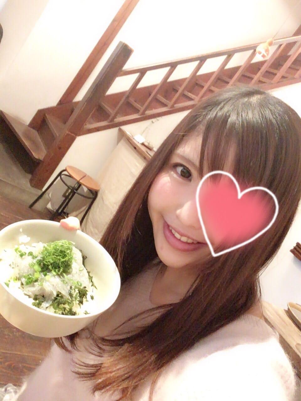 「しらす丼ー♡」02/13(火) 23:32 | みなみの写メ・風俗動画