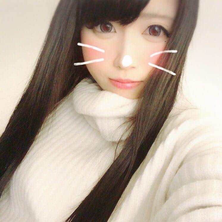ニーナ「こんにちわ」03/19(月) 14:55 | ニーナの写メ・風俗動画