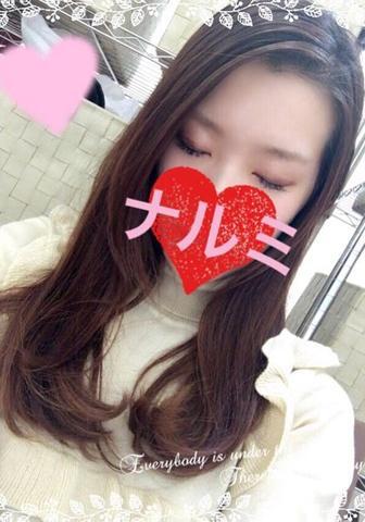 「ナルミです☆彡.。」11/16(水) 21:39   ナルミの写メ・風俗動画