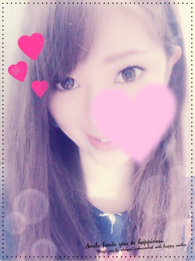 「こんばんは」04/12(木) 03:17   マナミ パッチリ綺麗な瞳!の写メ・風俗動画