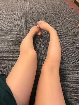 「足…♡」04/24(火) 11:55 | おもちの写メ・風俗動画
