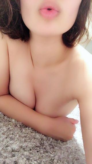 「こんばんは♡」05/25(金) 22:05 | 石川 ほのかの写メ・風俗動画