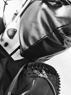 「い つ も 荷 物 が 多 い で あ る 。」07/07(土) 12:21 | いるの写メ・風俗動画