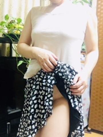 「チラっと…」07/16日(月) 09:08 | 吉川梨香子の写メ・風俗動画
