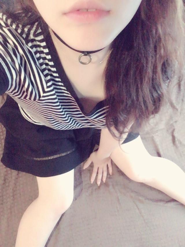 「こんばんわ」07/20日(金) 21:29 | 白鳥なぎさの写メ・風俗動画