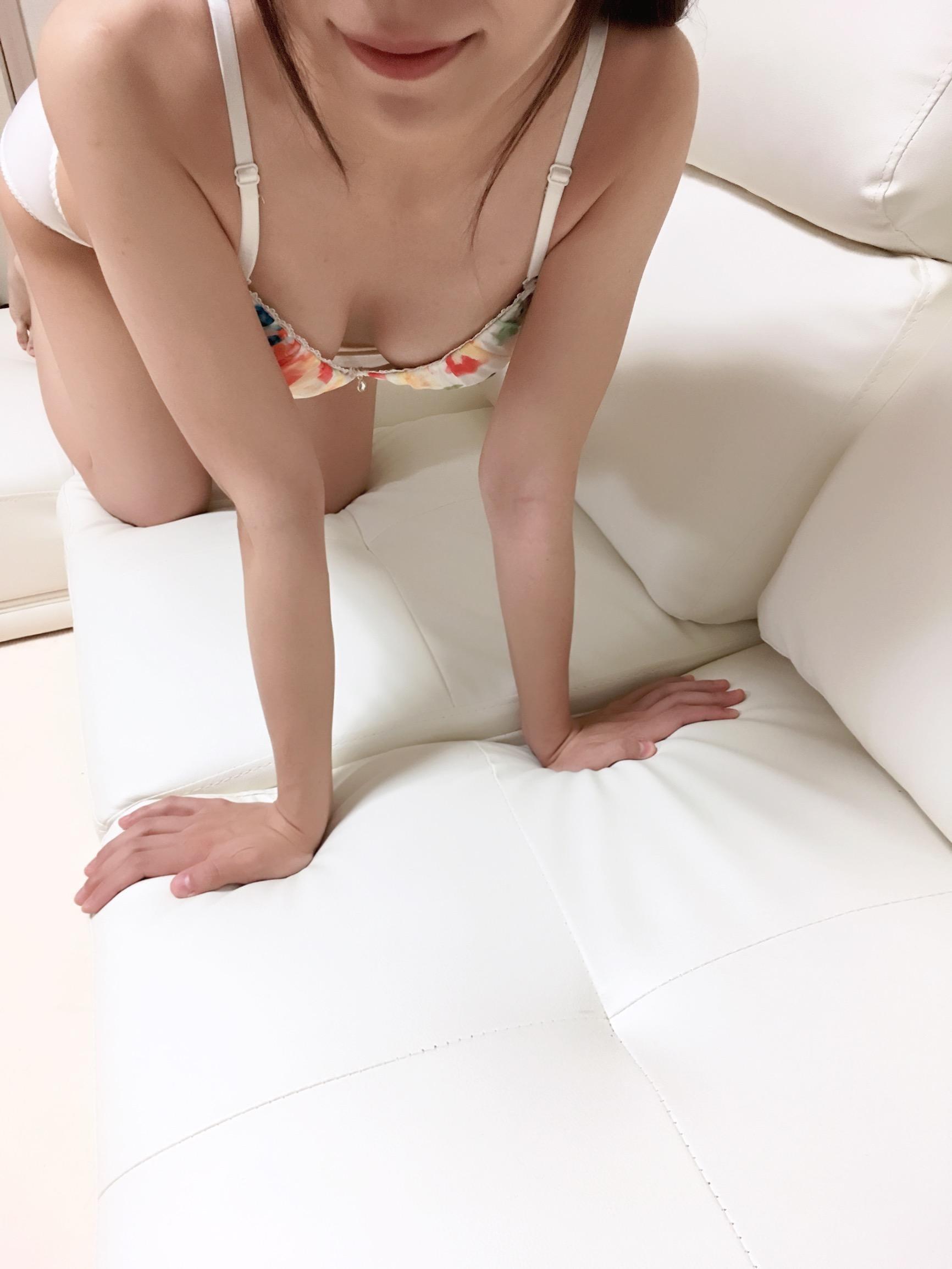 「出勤中☆」07/20(金) 22:17 | 杉本 かおりの写メ・風俗動画