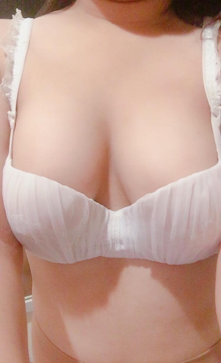 「こんにちは」08/10(金) 00:45   れいの写メ・風俗動画