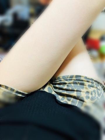 「おはよう〜(´・∀・`)」08/18(土) 10:00 | ぼたんの写メ・風俗動画