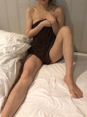 七瀬(ななせ)「こんばんは!」09/18(火) 18:47   七瀬(ななせ)の写メ・風俗動画