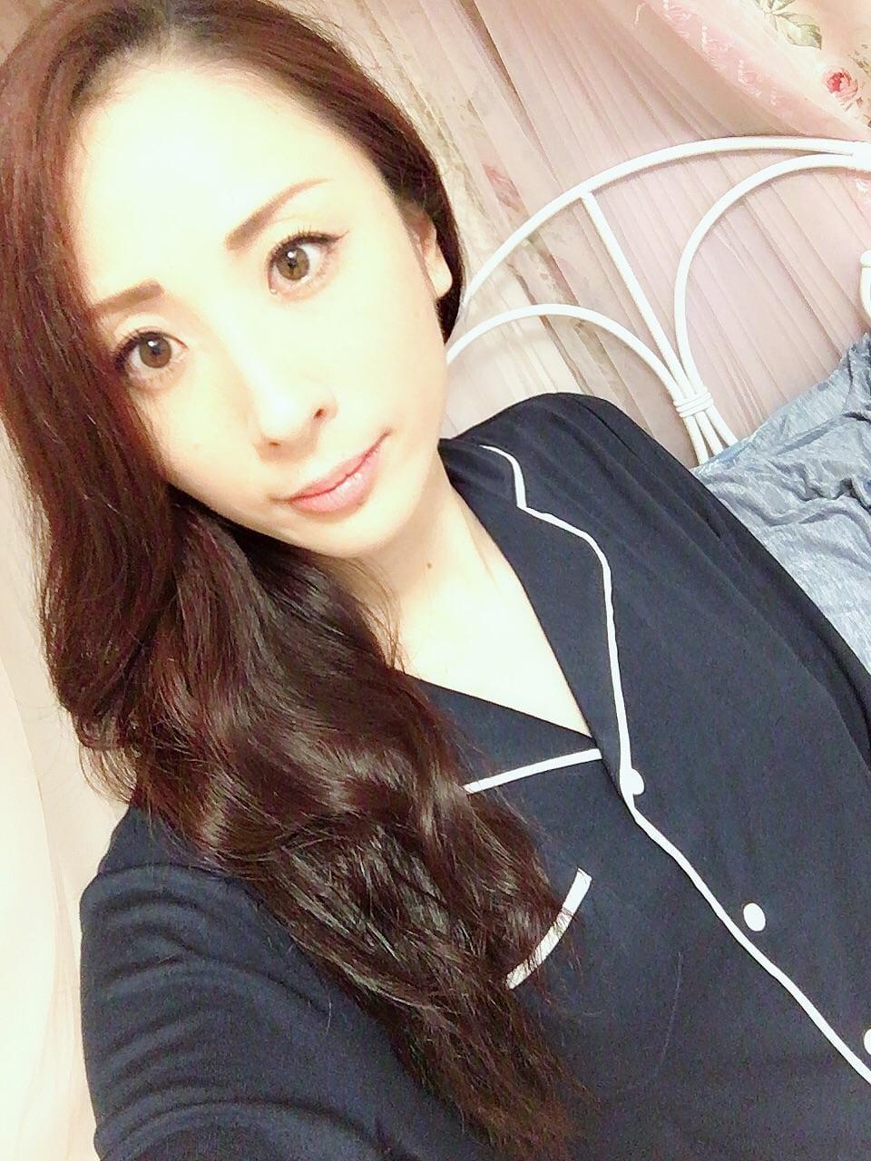 「おはようございます!!」10/04(木) 07:12 | えみりの写メ・風俗動画