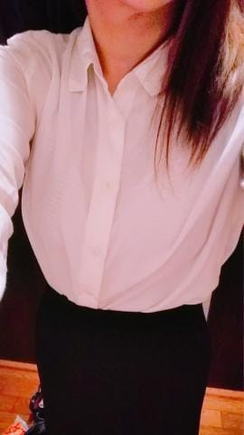 「出勤です!」10/05(金) 17:31 | 新人艶女/彩華(いろは)の写メ・風俗動画