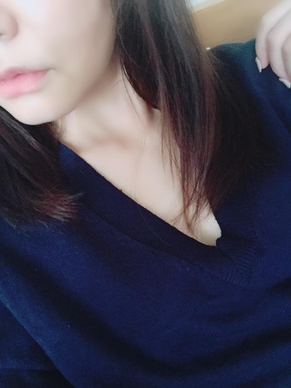 「出勤♡」10/16(火) 11:51 | 杏子の写メ・風俗動画