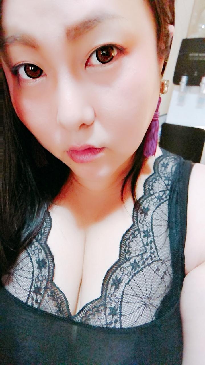「菜々緒ちっくに。」10/16(火) 22:56 | 体験人妻まりあ30才の写メ・風俗動画
