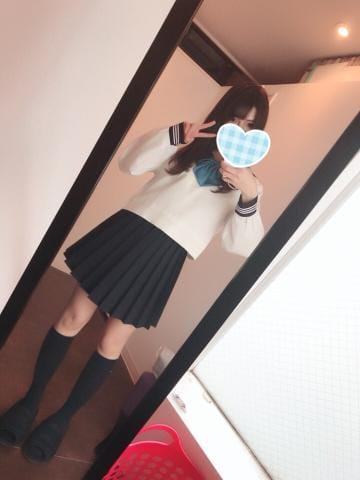 「出勤?」10/18(木) 16:37   あかねの写メ・風俗動画