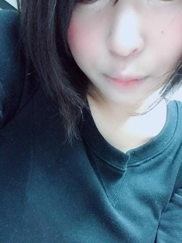 りか「出勤しちゃった☆」10/18(木) 19:15 | りかの写メ・風俗動画