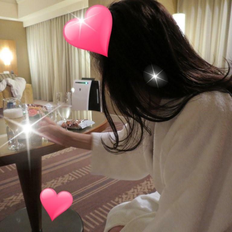 あかつき「「バーチャルな恋」 ☆シロガネーゼあかつき☆チーム鯉太郎にございます。」10/19(金) 19:23 | あかつきの写メ・風俗動画