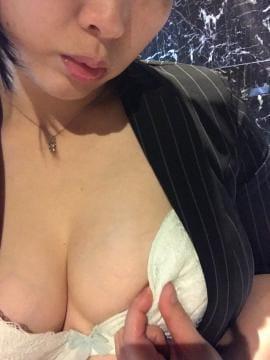 「こんばんわんこ」11/02(金) 19:46 | 涼川りょうの写メ・風俗動画