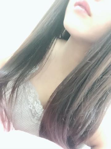 「出勤てす」11/02(金) 20:11 | ユイカの写メ・風俗動画