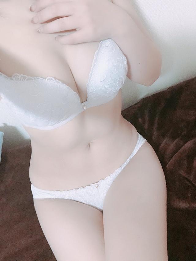「こんばんわ」11/05(月) 22:25 | えりかの写メ・風俗動画