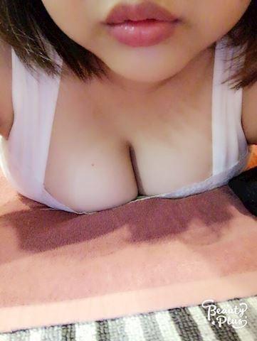 「出勤中☆」11/12(月) 16:32 | しほの写メ・風俗動画