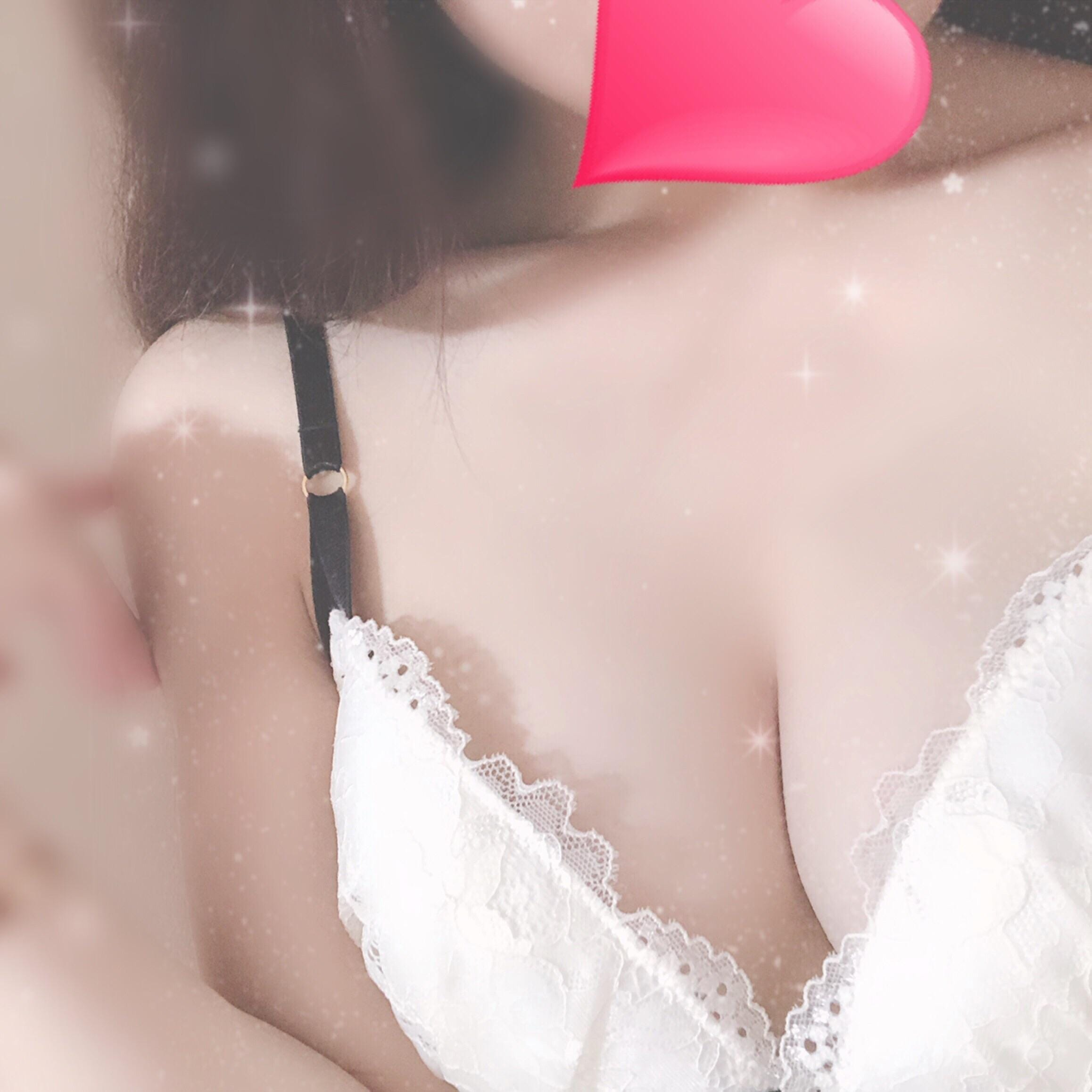 「出勤♪」11/13(火) 19:05 | ゆうりの写メ・風俗動画