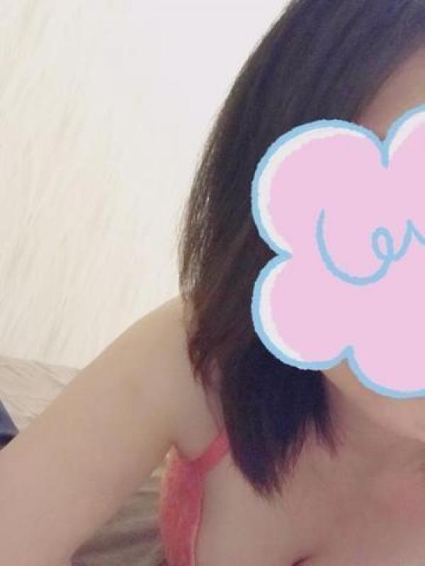 「( `・ω・´)グッ☆りんです!」11/16(金) 10:10 | 鳴海りんの写メ・風俗動画