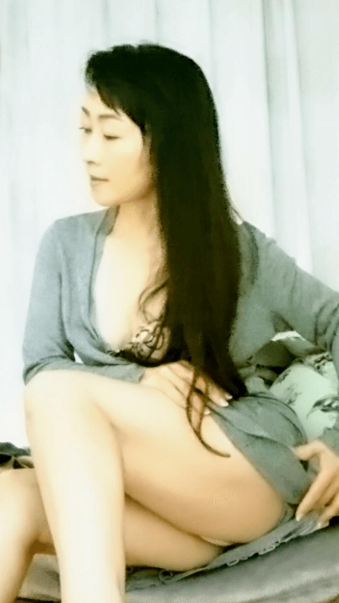 北原 よしみ「退屈な夜にも〜(*^)☆」11/19(月) 15:21 | 北原 よしみの写メ・風俗動画