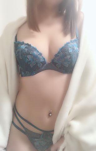 「出勤してます」11/26(月) 15:46 | えりかの写メ・風俗動画