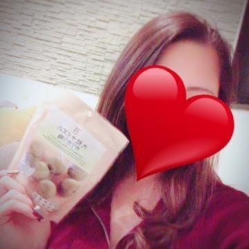 「好きなお菓子?」12/10日(月) 17:27 | 葉月 めいの写メ・風俗動画