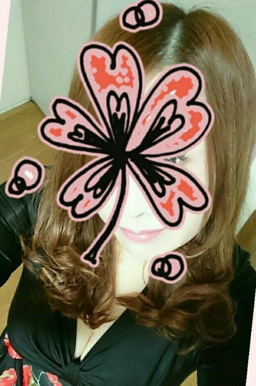「こんにちはヽ(*´▽)ノ♪」12/11(火) 14:48   雨音美紗の写メ・風俗動画