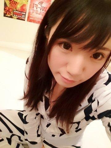 「おはよ♥️」12/12(水) 07:18 | ゆり【美乳】の写メ・風俗動画