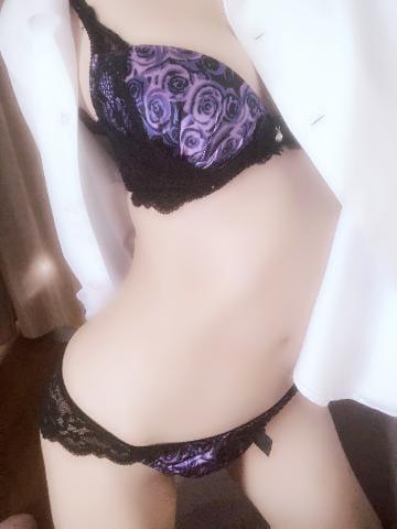 新人/瑠奈(るな)「るなです☆」12/13(木) 10:18 | 新人/瑠奈(るな)の写メ・風俗動画