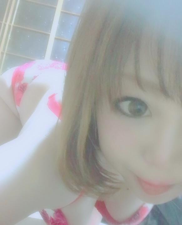 うらら「変なポーズ?」12/14(金) 10:28   うららの写メ・風俗動画