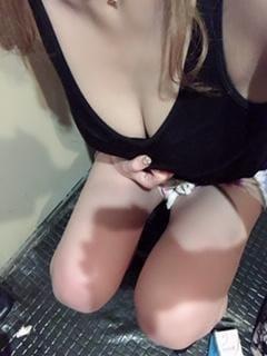 「出勤してますよー!」01/04(金) 13:50   じゅりあの写メ・風俗動画