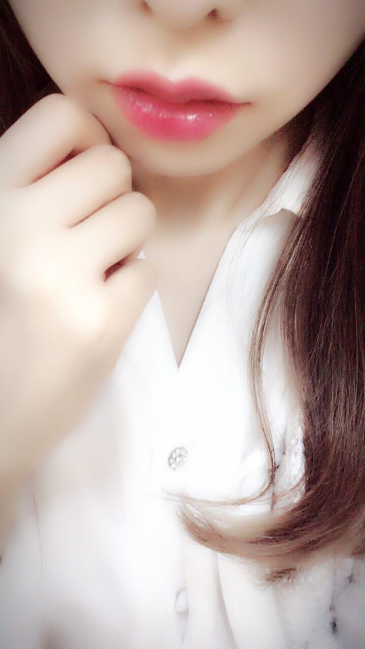 「こんにちは(*´ω`*)」01/08(火) 13:11   あかりの写メ・風俗動画