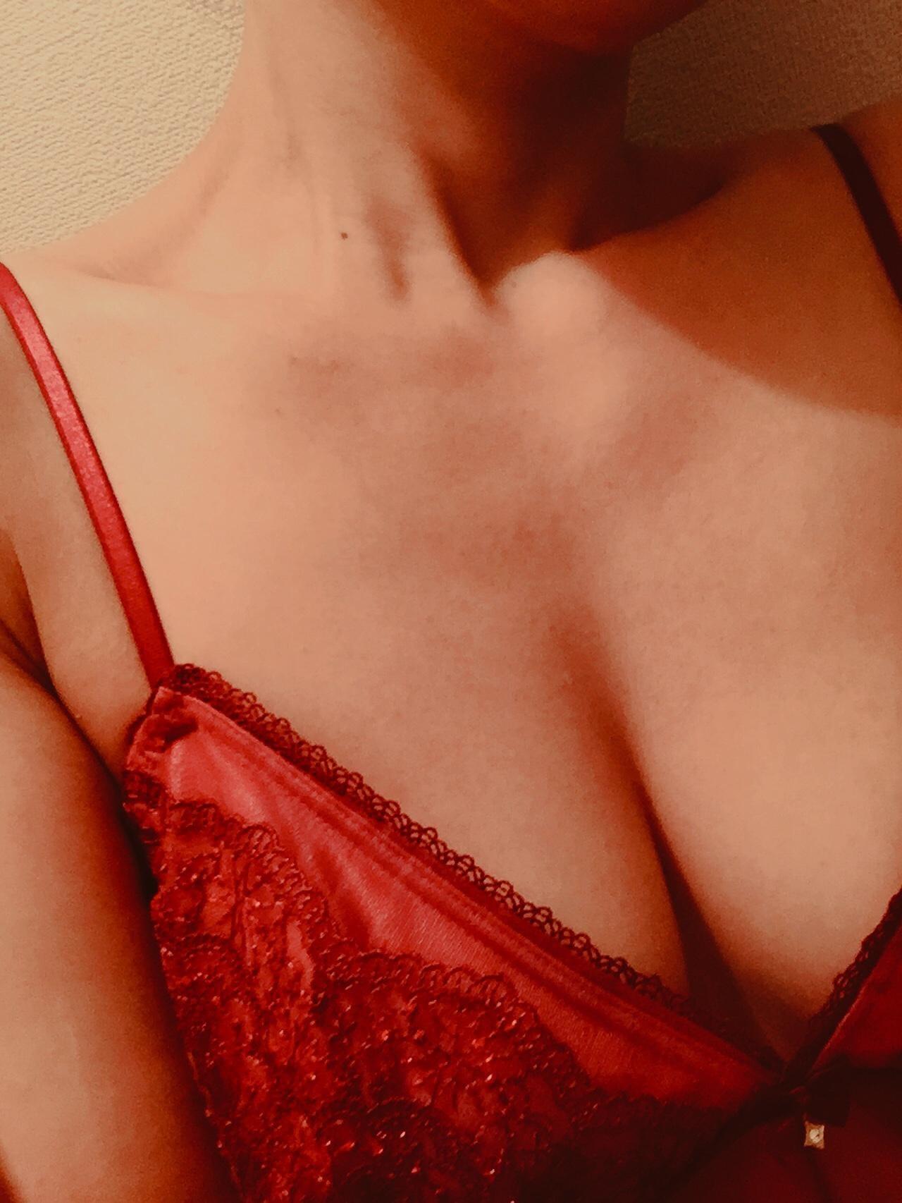 「りょうです♪」02/16(土) 23:07 | りょう【超美人巨乳奥様】の写メ・風俗動画