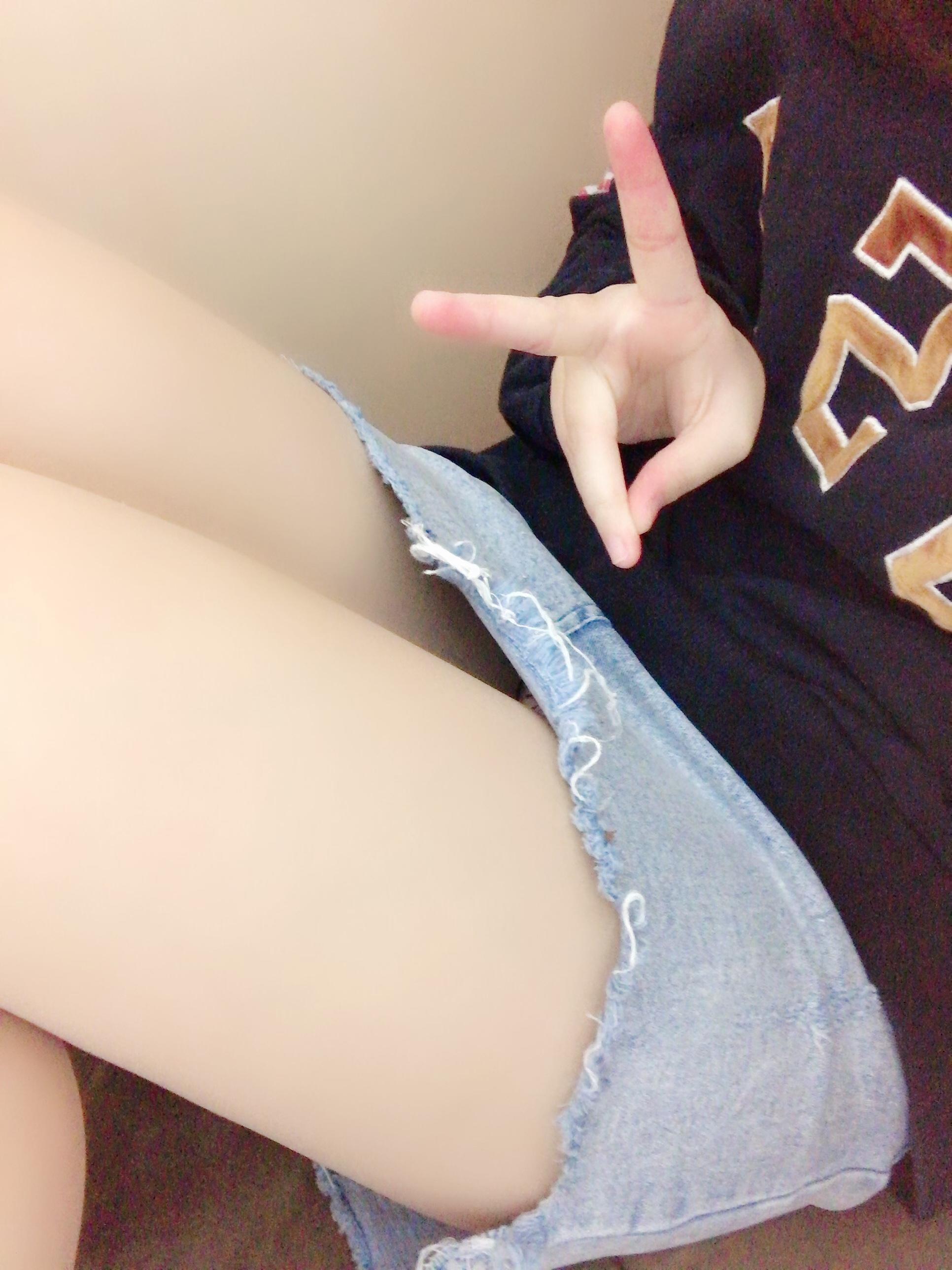 「こんばんは!♡」02/21(木) 20:25 | すずの写メ・風俗動画