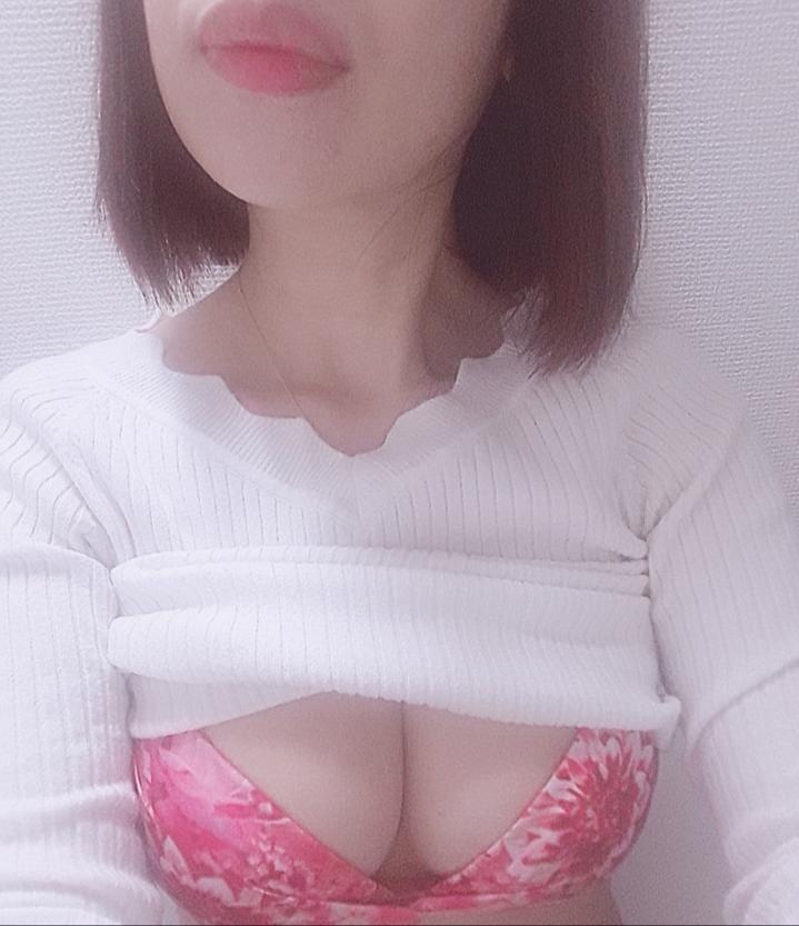 「出勤しました(*^^*)」04/26(金) 09:37 | になの写メ・風俗動画