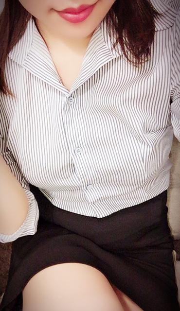 「こんばんは」05/20日(月) 18:46   和泉 りょうこの写メ・風俗動画